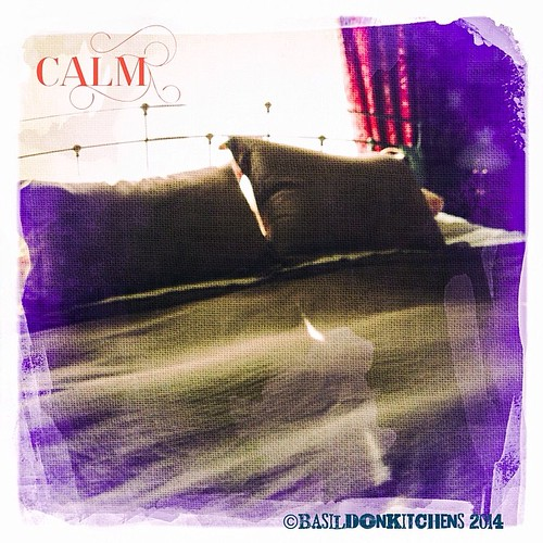 15/3/2014 - off to bed {not yet, but eventually!} #photoaday #rhonnadesigns #offtobed #bed #sleep #calm #cozy #sanctuary