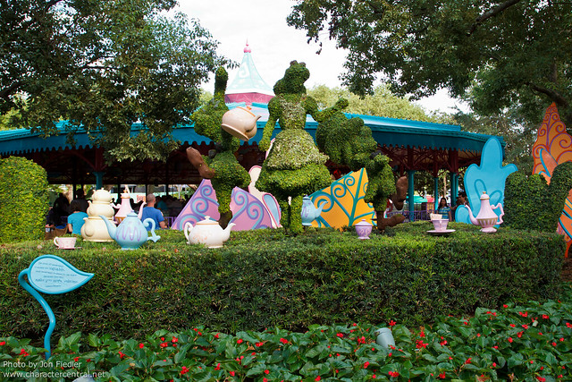 WDW Oct 2011 - Wandering through Fantasyland