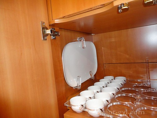 vaisselier menagere placard 010