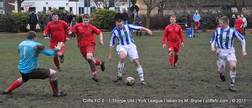 Cliffe FC 2 - 1 Thorpe Utd 17Dec11