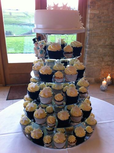Cirencester Cupcakes - Jess and Stuart, Knigscote Barn