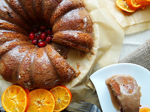 cranberry citrus bundt // cinnamon glaze
