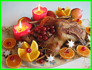 Happy Christmas....Orange roast goose filled with cherries....a wonderful holiday for my dear friends !