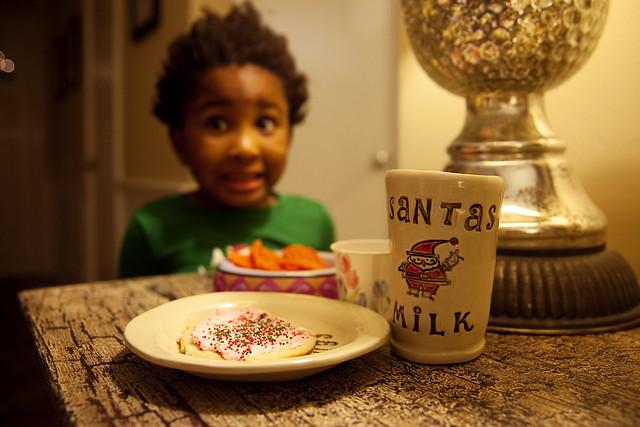 12-23-Milk-Cookies_1011