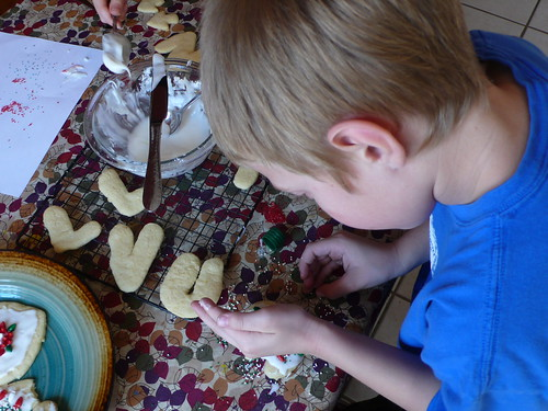 Max, decorating sugar cookies