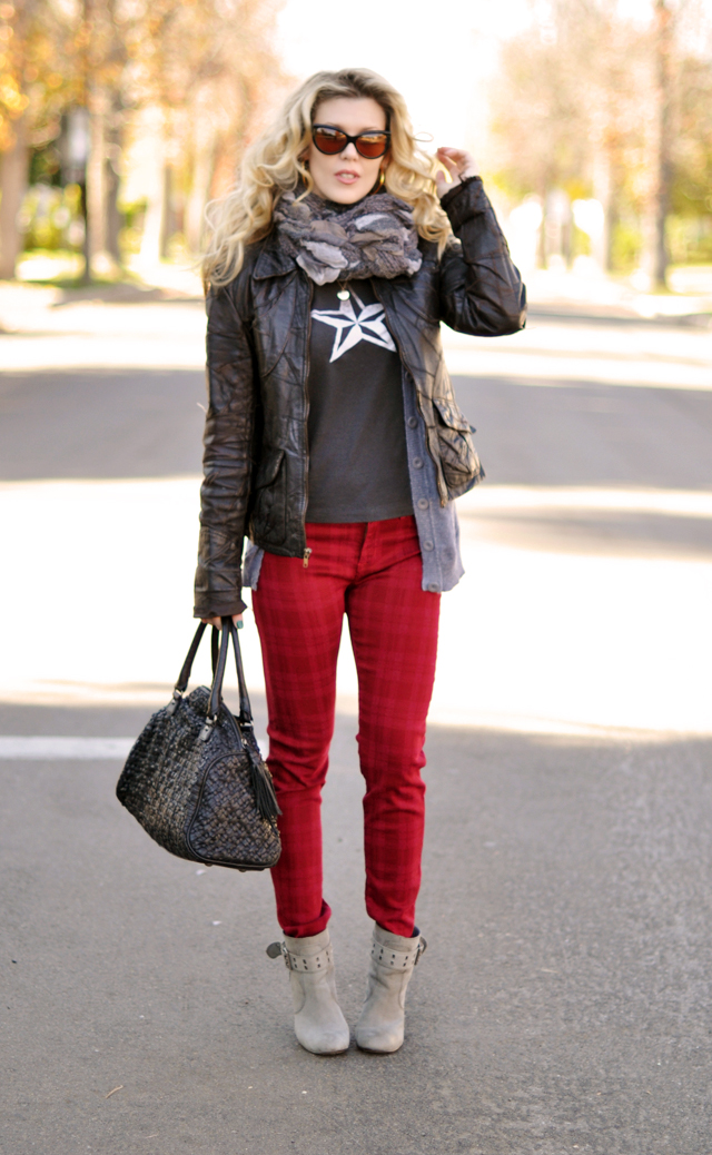 red jeans-leather jacket- black bag-gray boots-big hair-outfit post