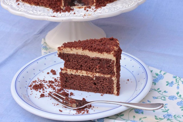 Cafe au lait chocolate cake