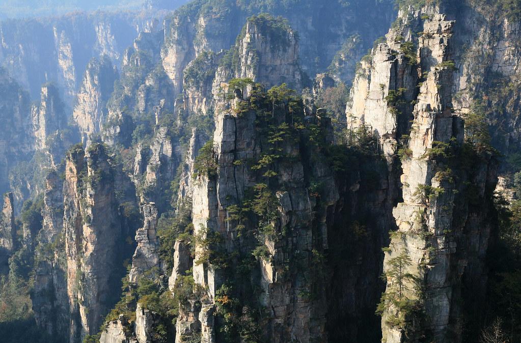 上空から眺める武陵源の石柱