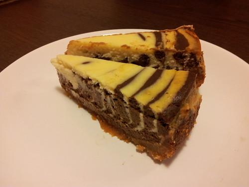 cheesecake s hořkou a bílou čokoládou