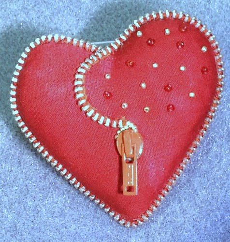 Zipper Heart pin / brooch