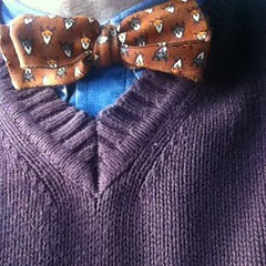 This is the necktie I wore today. Knot: It's a bow tie!