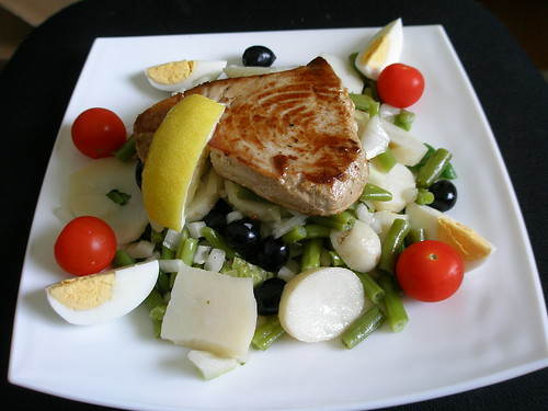 "Tuna Steak | <a href=""http://www.flickr.com/photos/orwellcrossing/6736677573/"">View at Flickr</a>"