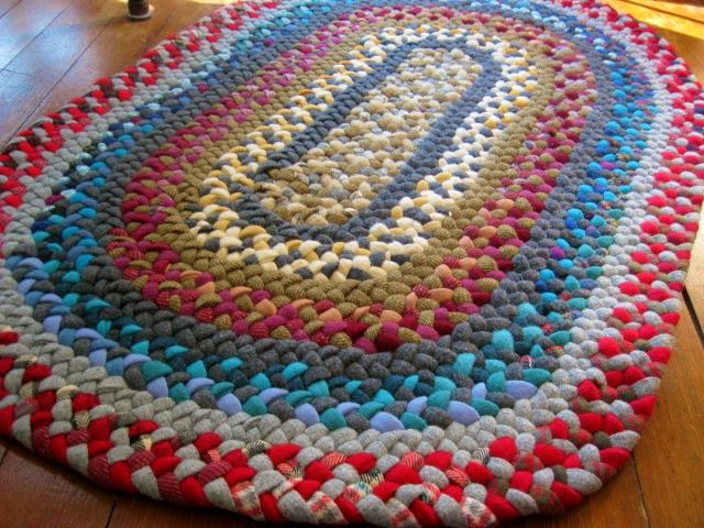 Tapete de Lã vintage em vermelho e azul de lã reciclada