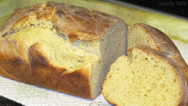 Golden buttermlk bread