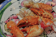 arthropod(0.0), shrimp(0.0), crustacean(0.0), fried prawn(0.0), fish(0.0), dungeness crab(0.0), crab(1.0), animal(1.0), seafood(1.0), invertebrate(1.0), king crab(1.0), food(1.0), scampi(1.0), soft-shell crab(1.0), dish(1.0),