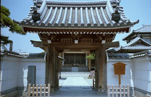 徳蔵寺山門