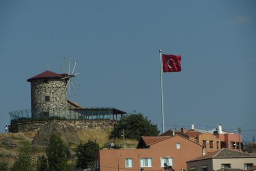 Burhaniye day 2 (Ayvalik): wind mill with flag (1)