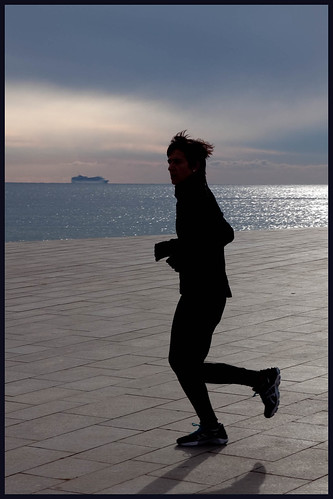 hardlopen bij het strand by hans van egdom
