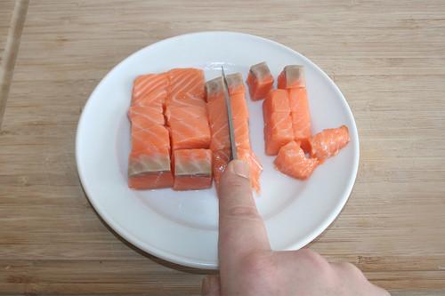 31 - Lachs zerkleinern / Mince salmon