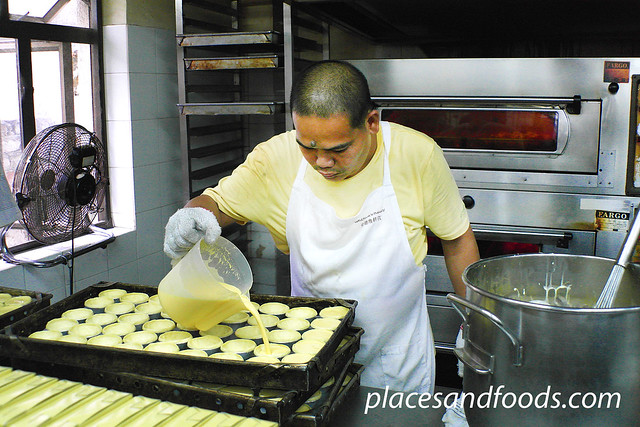 lord stow bakery preparing portuguese egg tarts