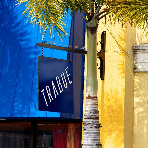 blue shadow urban signs colors sign yellow wall square awning downtown florida places palm signage puntagorda awnings locations palmfronds citytown trabue stockcategories flickraward canonefs18135mmf3556is ilobsterit