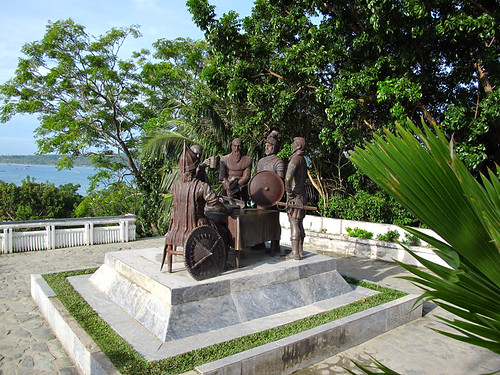 Sandugo Monument