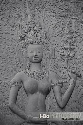 Apsara with teeth