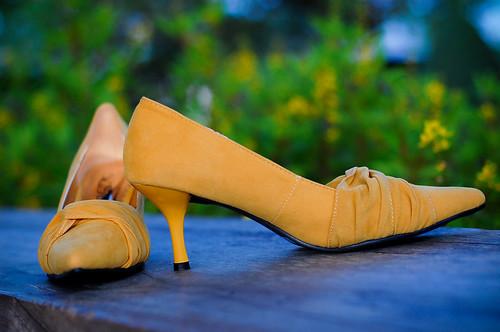 Lisa Mustard Pointy Kitten Heels