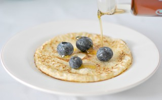 Blueberries & maple syrup pancakes