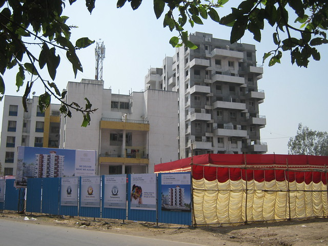 Old wings & the site of E wing of Sneha Paradise, 1 BHK & 2 BHK Flats near Warje Police Station, Warje, Pune 411 052