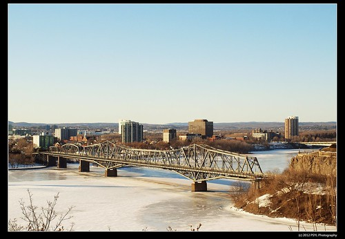 Alexandra Bridge into Quebec