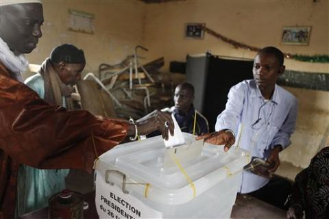 A Dakar, Senegal polling station where the results of the national elections were tabulated. The lead-up to the voting saw an escalation in political tensions in the West African state. by Pan-African News Wire File Photos