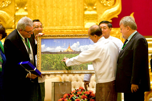 The President of Myanmar, U Thein Sein, offers a gift to the EP Chairman