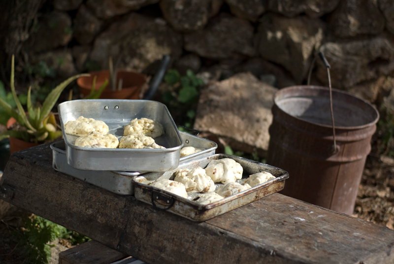 Na aldeia a fazer pão // Bread making in the countryside