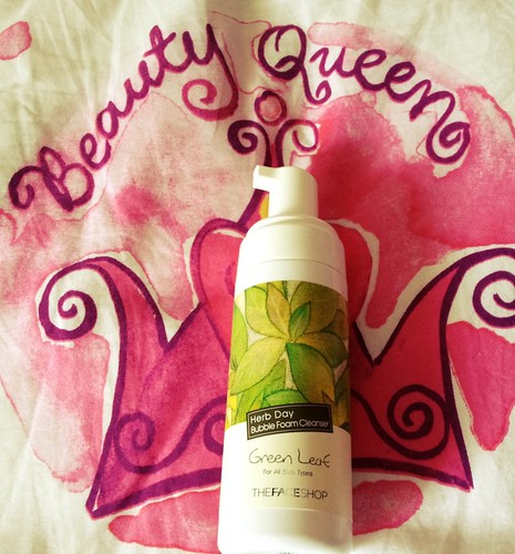 TheFaceShop Herb Day Green Leaf Bubble Foam cleanser