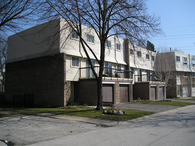 2315 Bromsgrove Rd Clarkson Mississauga Townhouse