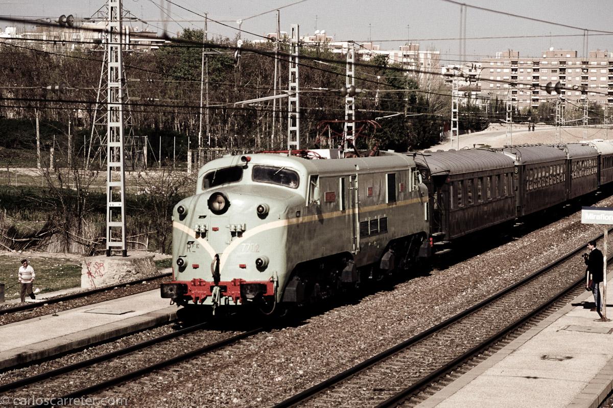 Tren del Tambor a su paso por Miraflores