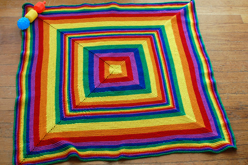 happy thing: Teddy's rainbow blanket