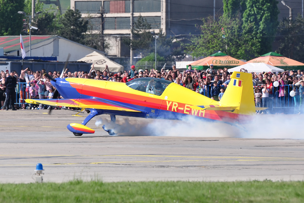 Cluj Napoca Airshow - 5 mai 2012 - Poze 7145977513_ab5d00bbca_o