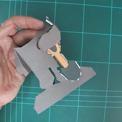 วิธีทำโมเดลกระดาษ ตุ้กตาไลน์ หมีบราวน์ ถือพลั่ว (Line Brown Bear With Shovel Papercraft Model -「シャベル」と「ブラウン」) 014