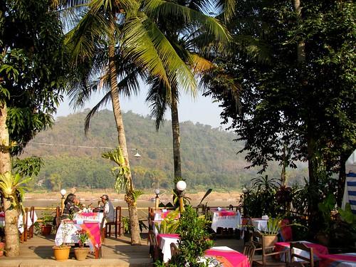 Restaurantes en la rivera del Mekong