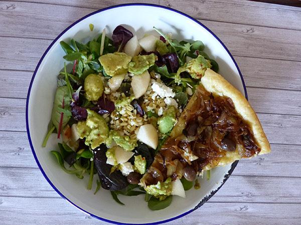 salade et pissaladière