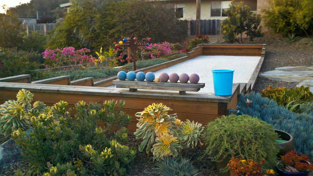 Backyard Bocce Ball Court Design : yards