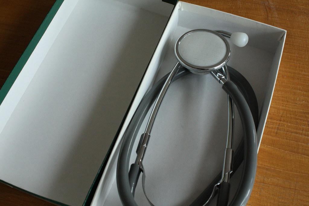 Sonntag: Flohmarkt: Stetoskop