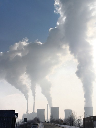 Coal-Fired-Power-Plant_Smoke-Stack-Emissions__15414
