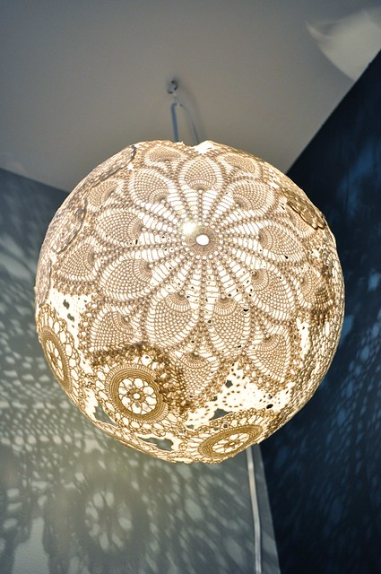 emmmylizzzy doily lamp tutorial finally. Black Bedroom Furniture Sets. Home Design Ideas