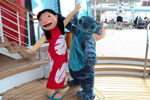 Meeting Lilo and Stitch