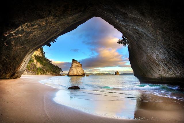 Cathedral Cove Sea Cave - Coromandel, New Zealand