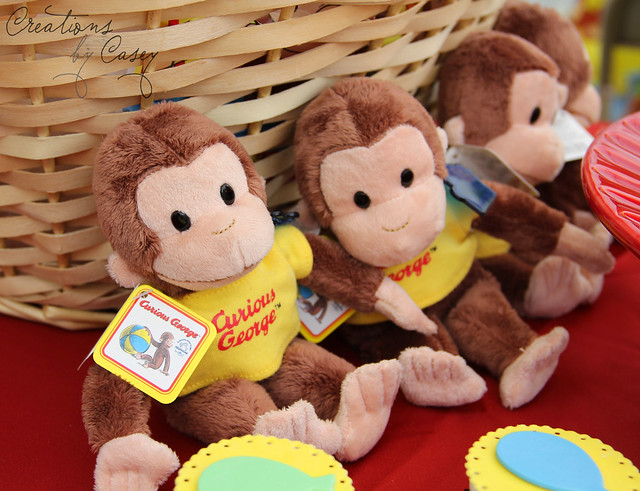 How cute are these Curious George monkey give aways for the kids???