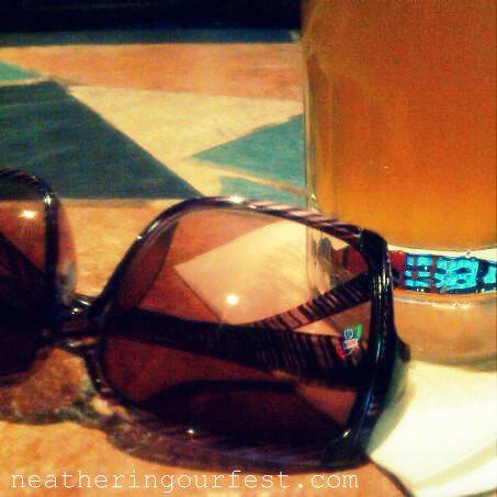 sunnies + beer2